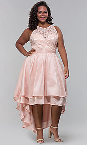 Image of high-low plus-size wedding guest dress with lace. Style: LP-24048P Detail Image 3