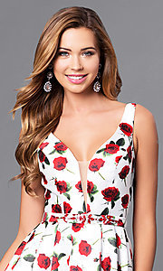 Style: DQ-9774 Detail Image 1