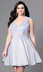 Image of short semi-formal plus-size party dress with v-neck. Style: DQ-9504P Detail Image 1