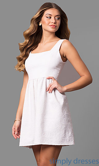 Short white lace party dress