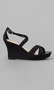 Style: YP-714-Paige Detail Image 1