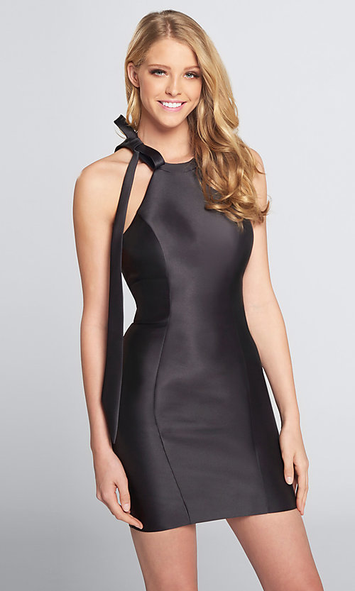 Image of halter short open-back homecoming dress with bow. Style: TB-EW21740S Front Image