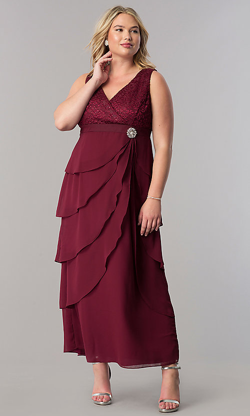 Image of plus-size long mother-of-the-bride dress with jacket. Style: SF-8729P Detail Image 3