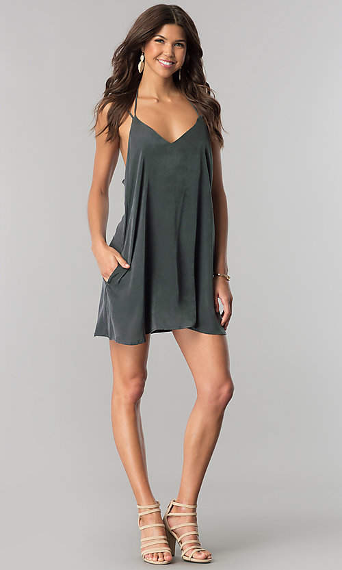 Image of short casual shift cruise party dress with pockets. Style: RO-R66135 Detail Image 1