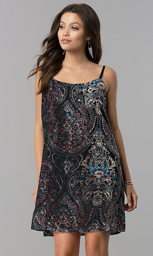 Image of short velvet-print black casual shift party dress.  Style: AS-A770904A64 Front Image