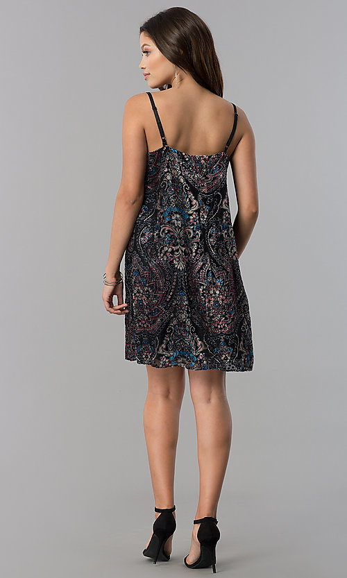 Image of short velvet-print black casual shift party dress.  Style: AS-A770904A64 Detail Image 2