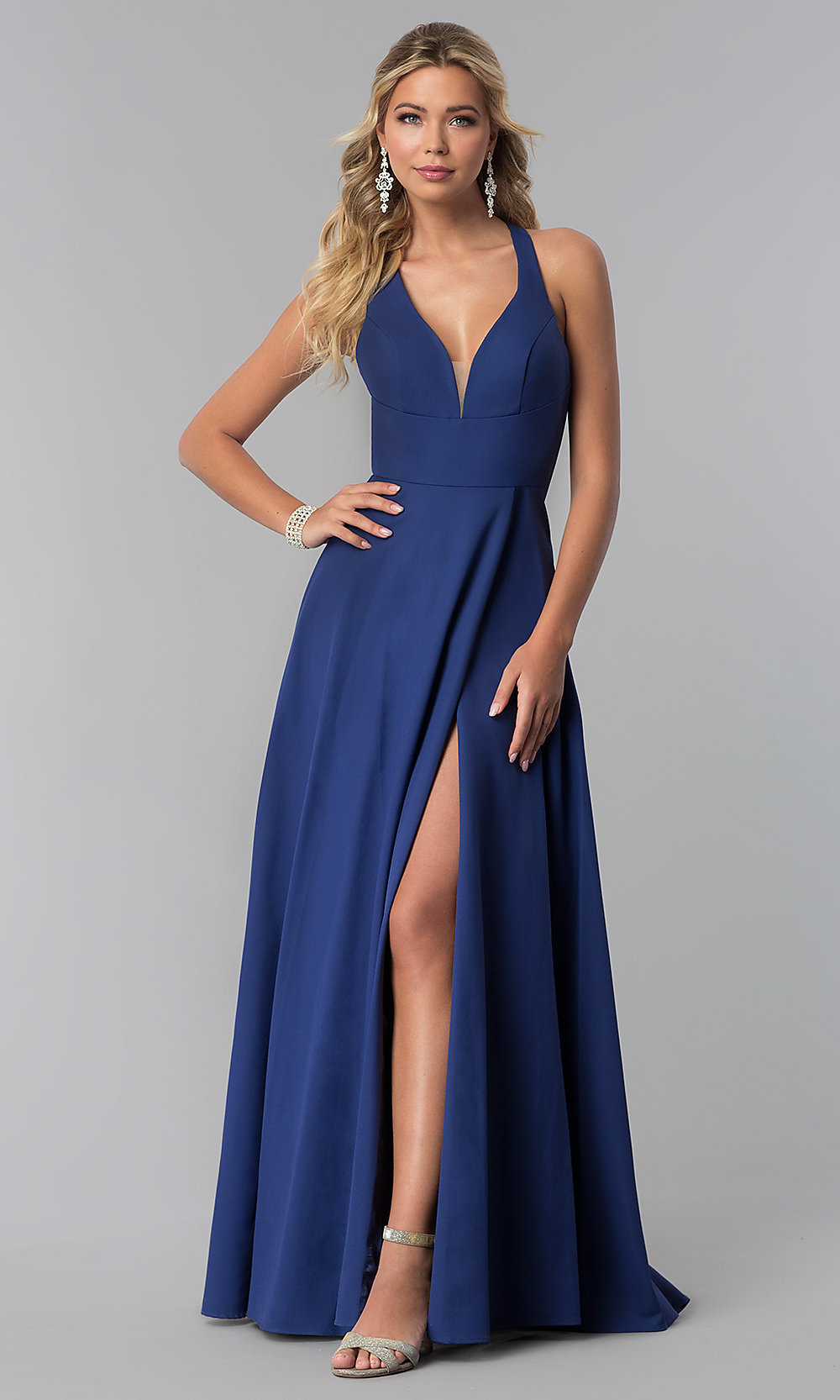 cb54d308c1 Classic Long Satin Prom Dress With V Neckline - Gomes Weine AG