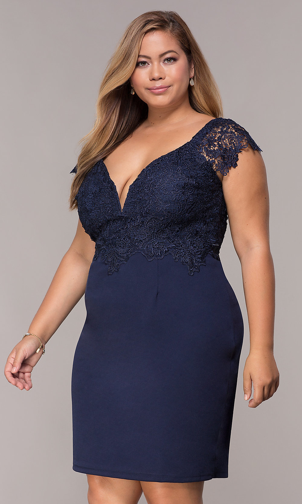 Short Lace Cap-Sleeve Plus Party Dress in Navy Blue