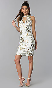 Image of short wedding-guest foil-print dress in ivory white. Style: SD-S286471 Detail Image 3