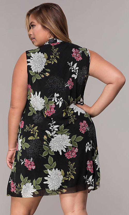 Image of floral-print plus-size short black shift party dress. Style: JU-TI-t91923 Back Image