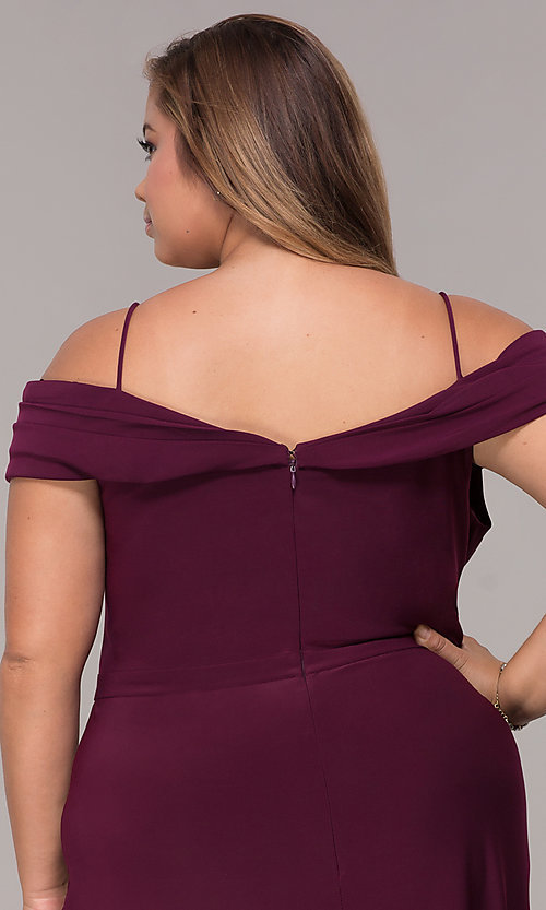 Image of wine red long plus-size wedding-guest dress. Style: MO-12343WMM Detail Image 2