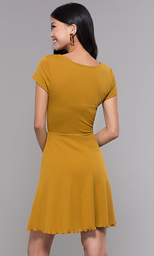 Image of short casual party dress with short sleeves. Style: MY-5283EH1D Back Image