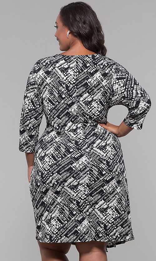 Image of plus-size knee-length sleeved print cocktail dress. Style: JU-TI-t92135 Back Image