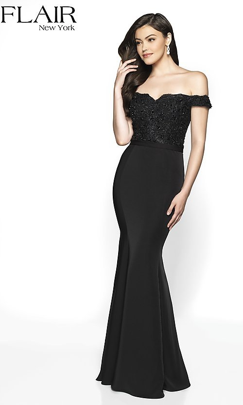 Image of long fitted off-shoulder sweetheart formal gown. Style: BL-FL-19004 Detail Image 4
