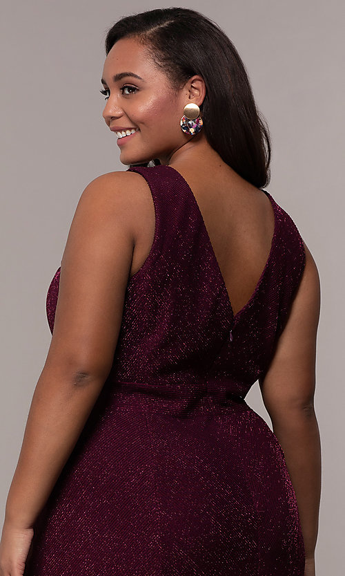 Image of plus-size long glitter-knit formal dress. Style: MO-21712W Detail Image 7