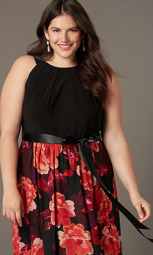Image of floral-print long plus-size wedding-guest dress. Style: IT-9477192 Detail Image 1