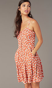 Image of short floral-print casual party dress with buttons. Style: EM-HHS-4085-681 Detail Image 1