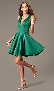 Image of Terani v-neck emerald green homecoming dress. Style: TI-GL-1812P5140G Front Image