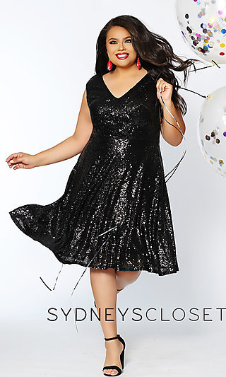 Plus-Size Sequin V-Neck Knee-Length Homecoming Dress