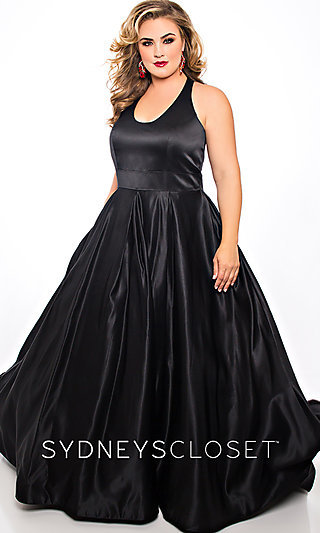 Ballgown-Style Plus-Size Long Scoop Neck Prom Dress