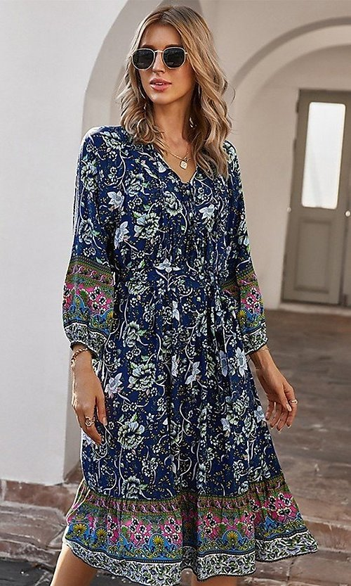 Image of casual knee-length print dress with sleeves. Style: LAS-ESL-21-49363DDY Detail Image 4