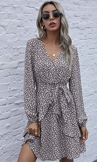 Short Casual V-Neck Print Dress with Long Sleeves