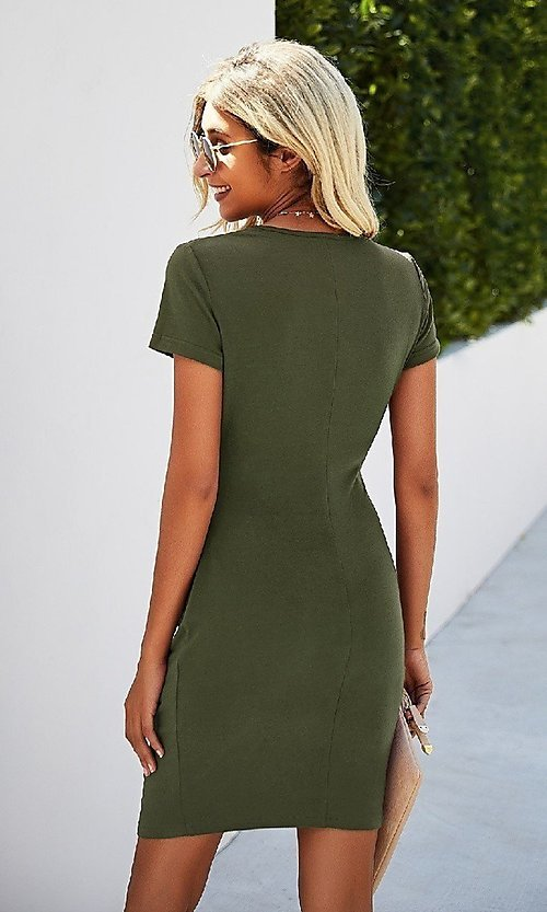 Image of day-to-night short sleeve casual ruched dress. Style: LAS-MVT-21-LQ323S5247 Detail Image 2