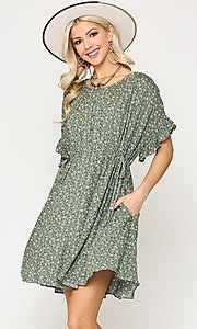 Image of short sleeve short print casual dress with pockets. Style: LAS-GIG-21-TC1738 Front Image