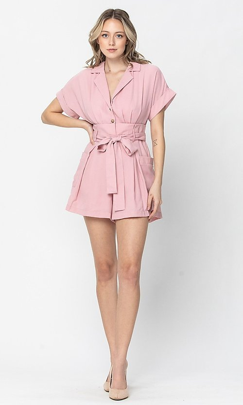 Image of short sleeve short casual romper with pockets. Style: LAS-TCC-21-LR4005 Detail Image 2
