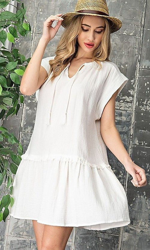 Image of short casual cotton smock dress with v-neck tie. Style: LAS-EES-21-DK4181 Detail Image 1