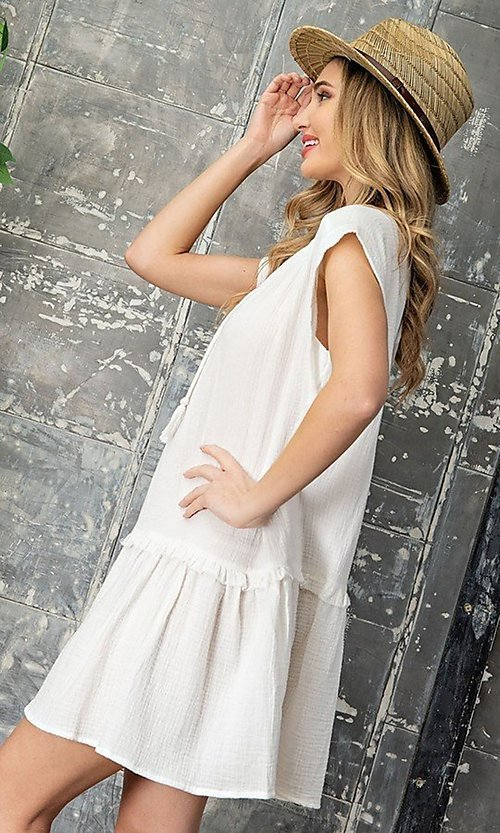 Image of short casual cotton smock dress with v-neck tie. Style: LAS-EES-21-DK4181 Detail Image 2
