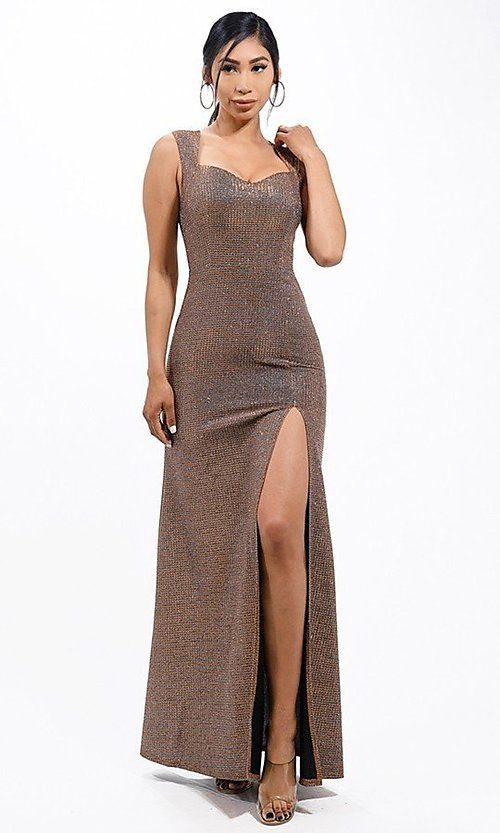 Image of metallic glitter long sweetheart formal gown. Style: LAS-LSC-21-25861 Detail Image 1