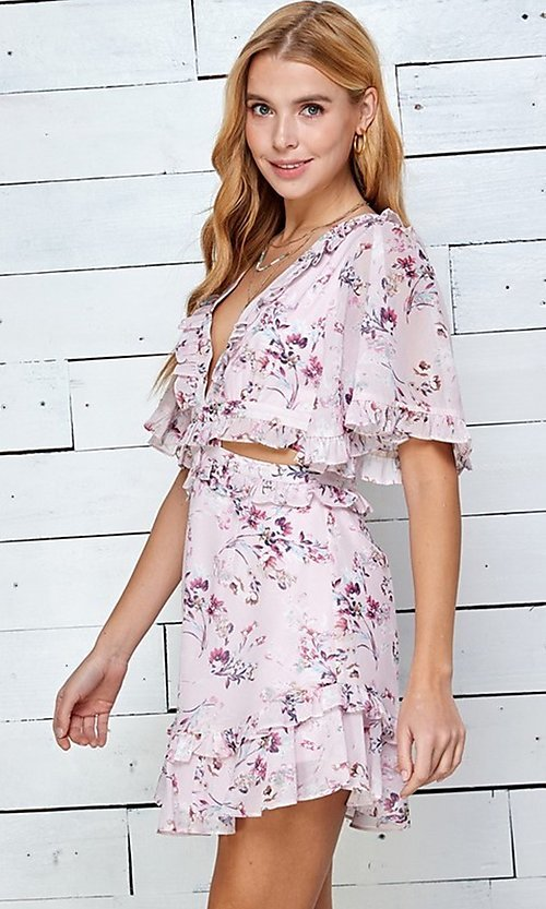 Image of short print casual summer dress with cut outs. Style: LAS-TWE-21-5101IMD Detail Image 4