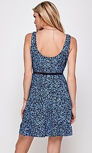 Image of navy blue floral-print short casual party dress. Style: FG-ECR-21-EDF18046NZ Back Image
