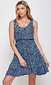 Image of navy blue floral-print short casual party dress. Style: FG-ECR-21-EDF18046NZ Detail Image 3
