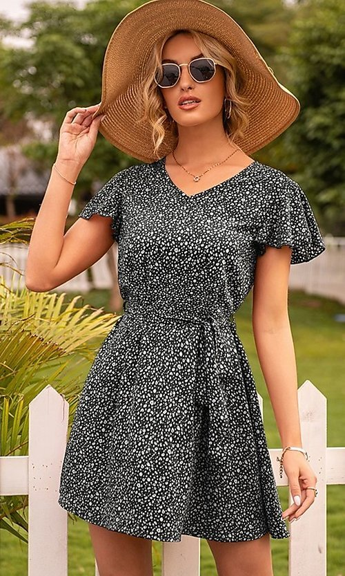Image of waist-tie short sleeve casual short print dress. Style: FG-LIL-21-CWDSD0693 Detail Image 3